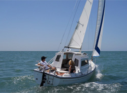 Com-Pac CP 23 Pilothouse Sailboat