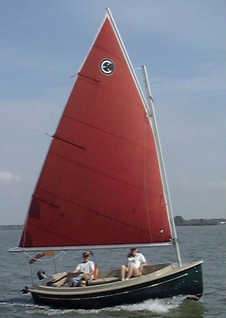 Com-Pac Picnic Cat Sailing - Photo of Com-Pac Picnic Cat sail boat