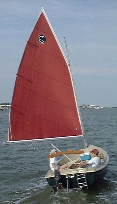 Com-Pac Picnic Cat Downwind - Photo of Com-Pac Picnic Cat sail boat