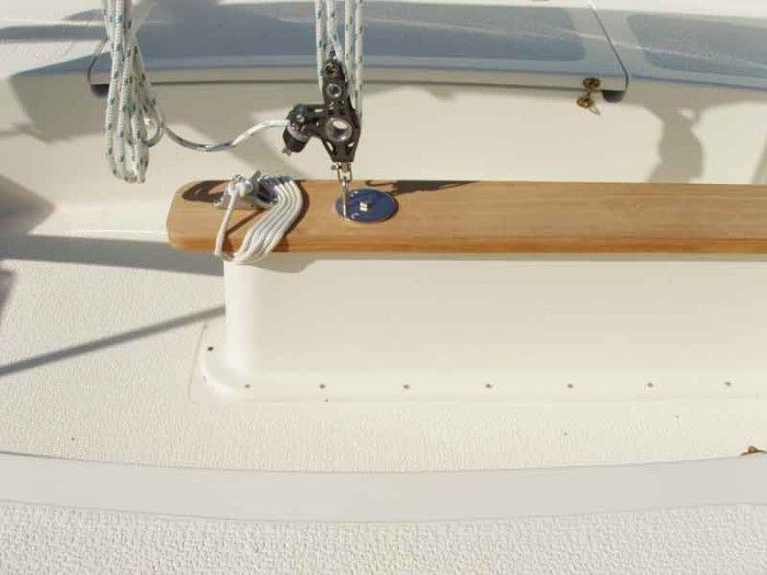 Com-Pac Picnic Cat Mainsheet and Centerboard Line - Photo of Com-Pac Picnic Cat sail boat