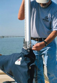 Com-Pac Sun Cat Mastendr System - pinning mast - Photo of Com-Pac Sun Cat sail boat