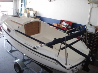 Legacy Overview - Photo of Com-Pac Legacy sail boat