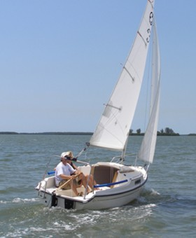 Com-Pac Legacy - Fun Sailing - Photo of Com-Pac Legacy sail boat